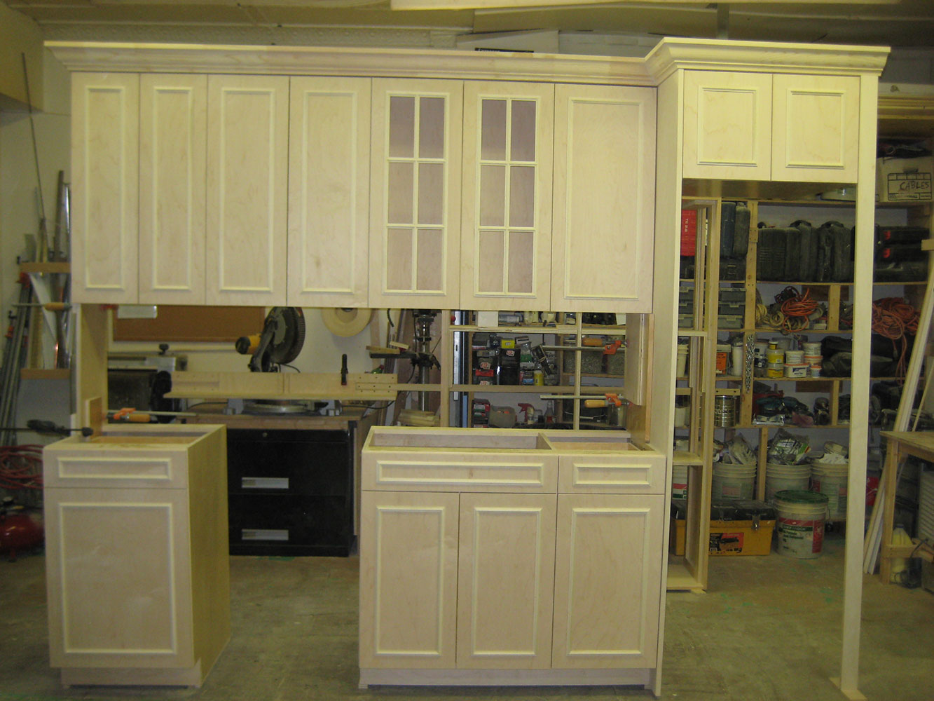 Kitchen cabinets in flushing ny welcome dt cabinets for Kitchen queen cabinet